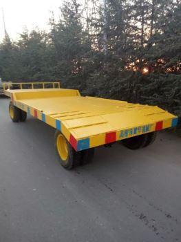 10吨挖沟拖车